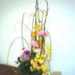 春のお花でナチュラルアレンジ