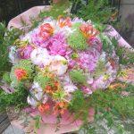 季節の花を使う