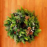 綺麗なクリスマスリースを作成するには