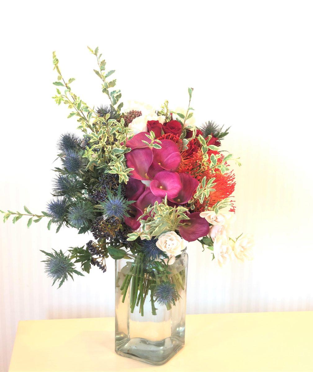 ビビットな色合いの花束