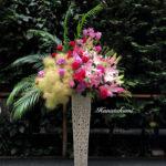 個展の御祝スタンド花